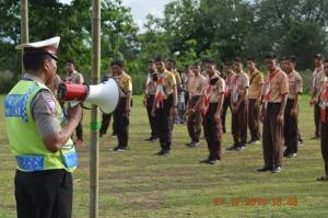 Polantas Polres Giwa memberikan Praktek Materi kepada peserta Raimuca Cabang Gowa 2014